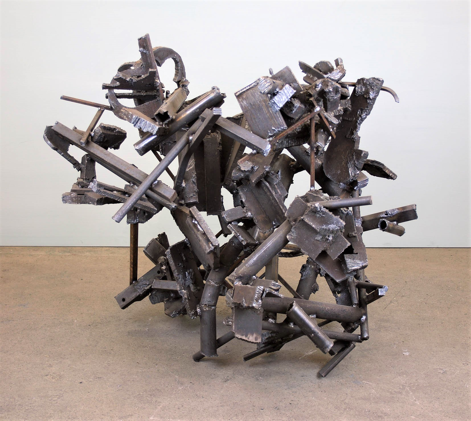 untitled 2018 H.103cm steel