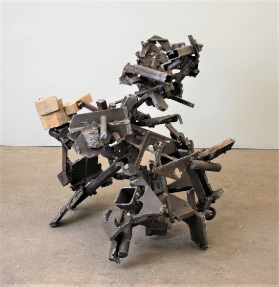 untitled 2018 H.89cm steel wood