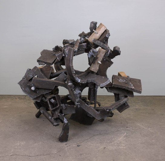 untitled 2018 H.91cm steel wood